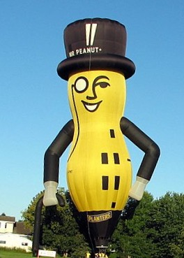 Mr. Peanut balloon, InOttawa.ca [CC BY (https://creativecommons.org/licenses/by/2.0)]